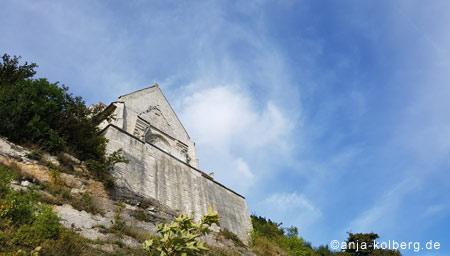 Die Kirche vom Strand aus