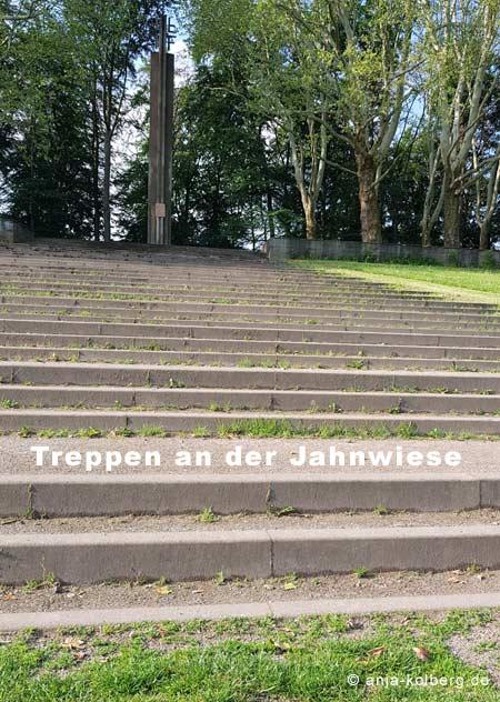 Treppen an der Jahnwiese